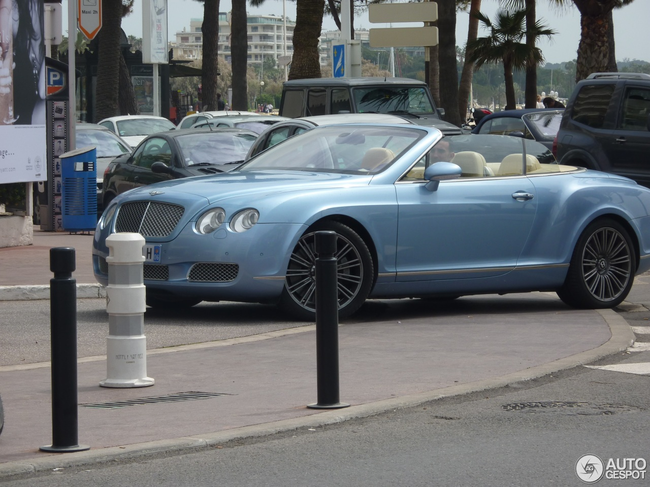 Bentley Continental GTC Speed 8