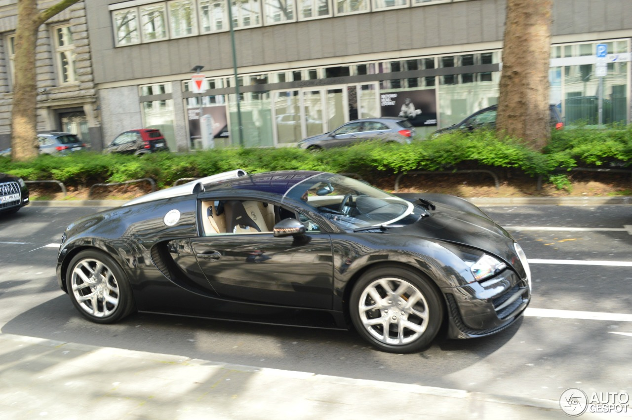 bugatti veyron 16 4 grand sport vitesse 2 january 2016 autogespot. Black Bedroom Furniture Sets. Home Design Ideas