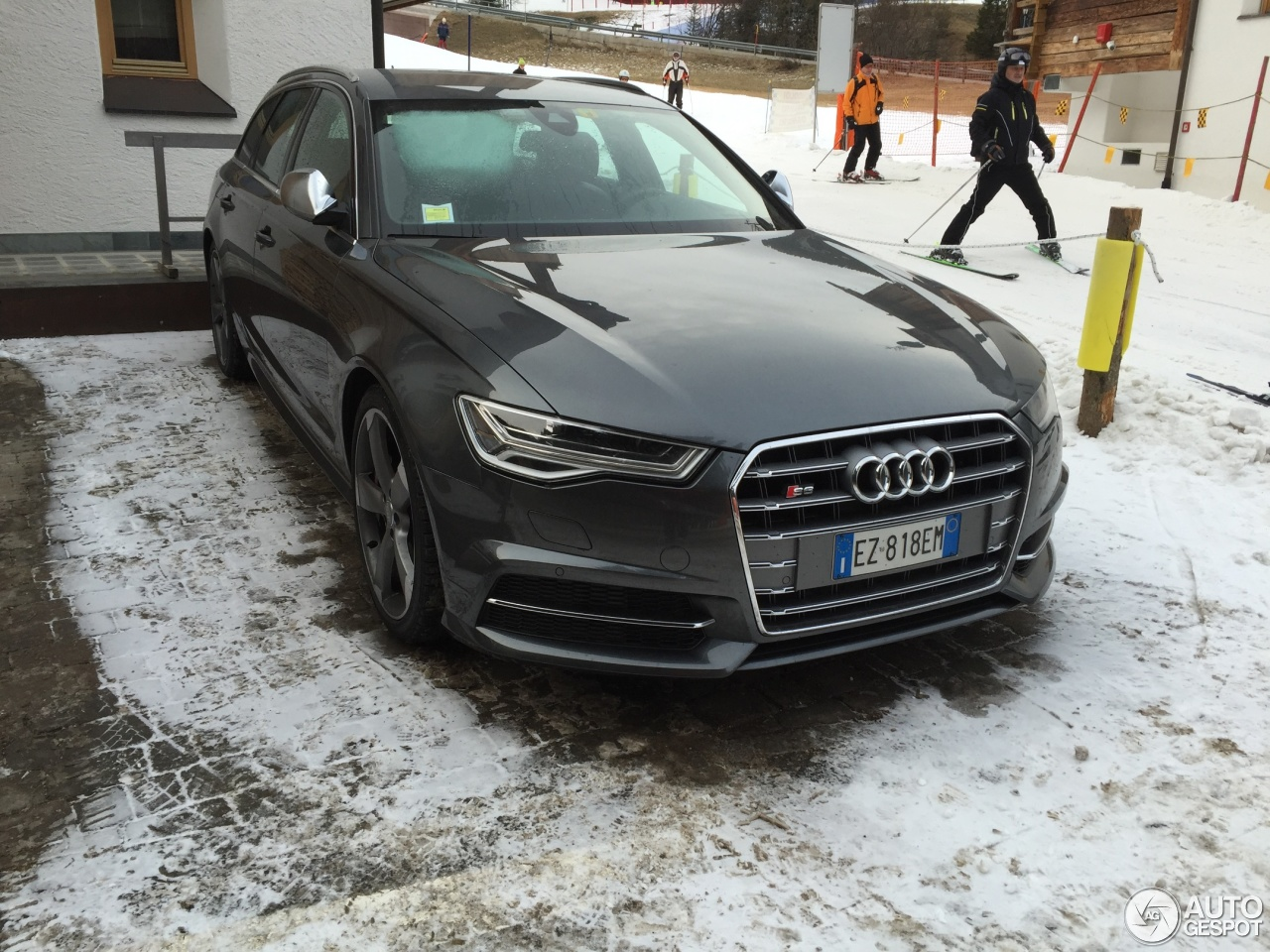 Audi s6 avant c7 2015 3 january 2016 autogespot for Lunghezza audi a6 avant 2016