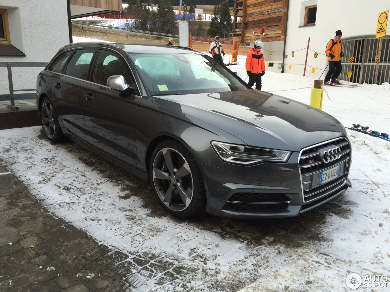 audi s6 avant c7 2015 3 january 2016 autogespot. Black Bedroom Furniture Sets. Home Design Ideas