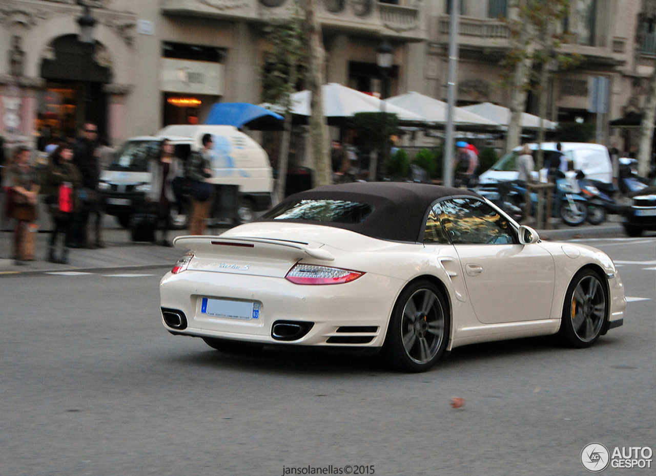 porsche 997 turbo s cabriolet 5 january 2016 autogespot. Black Bedroom Furniture Sets. Home Design Ideas