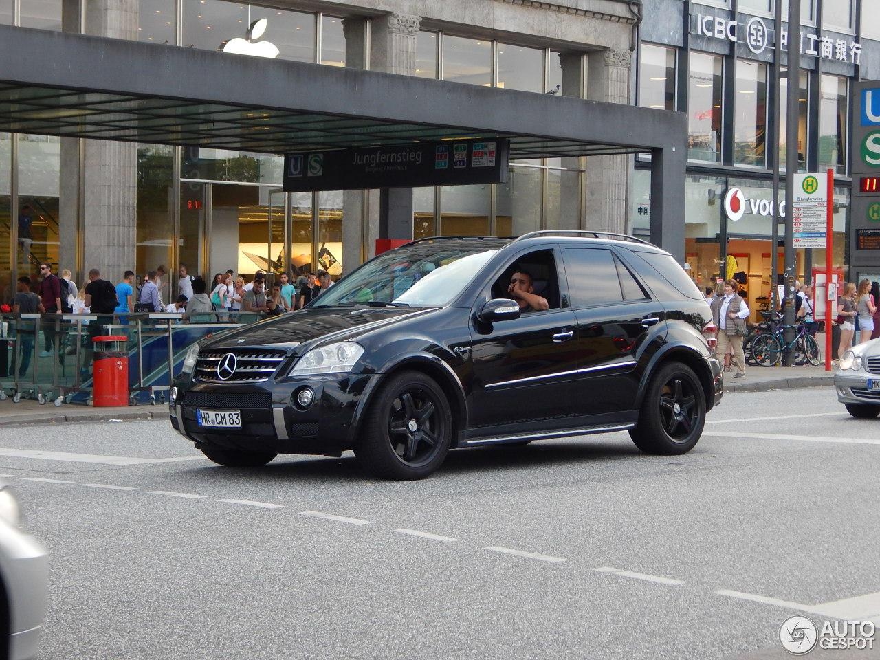mercedes benz ml 63 amg w164 6 january 2016 autogespot. Black Bedroom Furniture Sets. Home Design Ideas