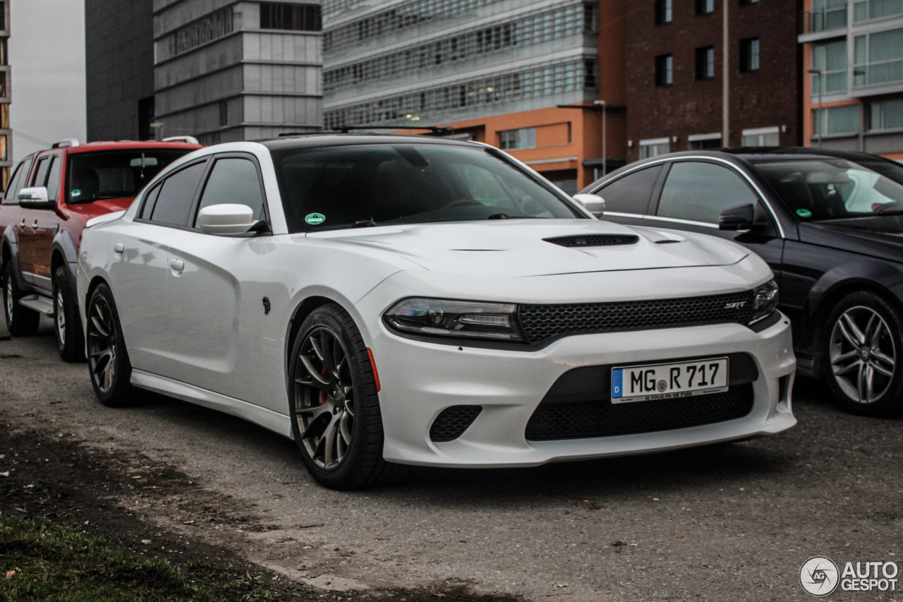 dodge charger srt hellcat 2015 7 januar 2016 autogespot. Black Bedroom Furniture Sets. Home Design Ideas