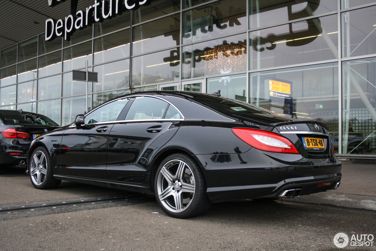 mercedes benz cls 63 amg c218 7 januari 2016 autogespot. Black Bedroom Furniture Sets. Home Design Ideas