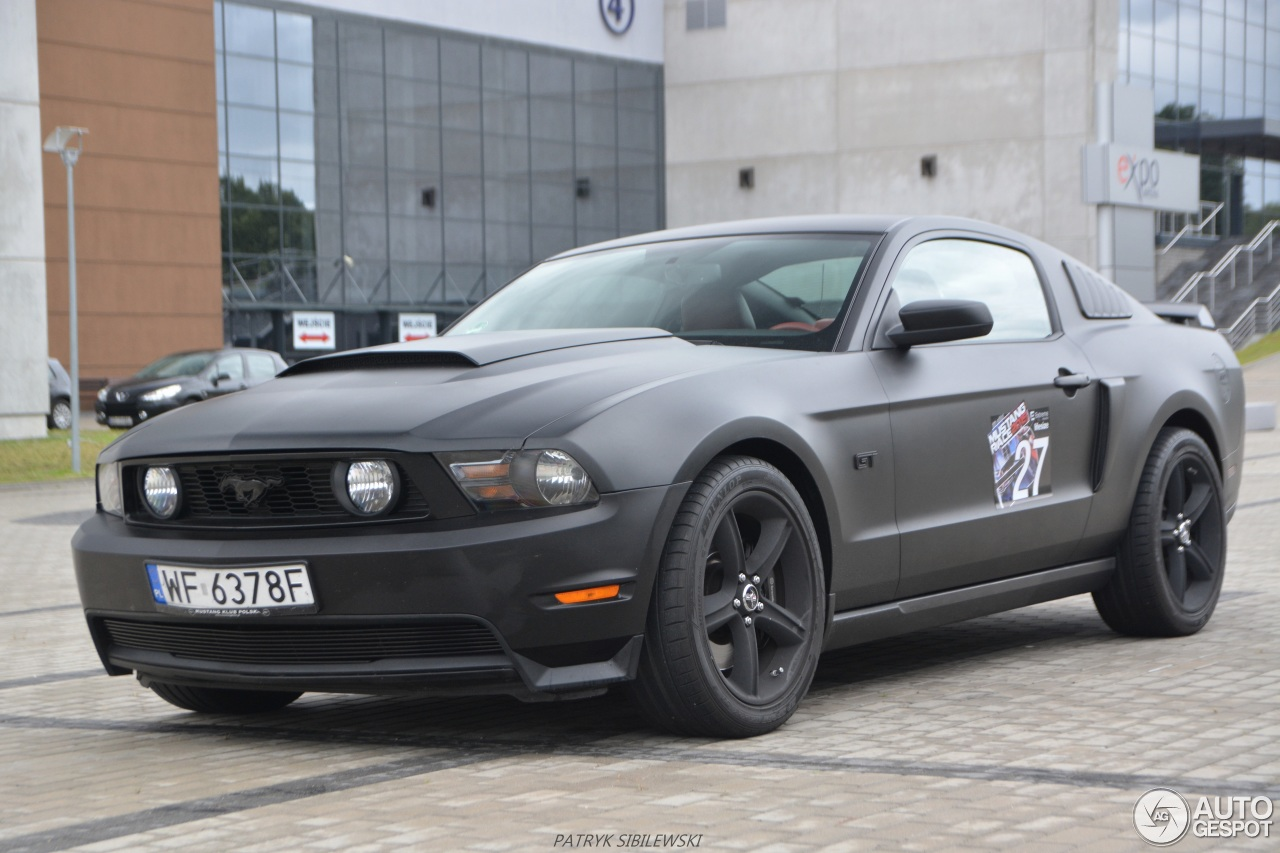 ford mustang gt 2010 11 january 2016 autogespot. Black Bedroom Furniture Sets. Home Design Ideas