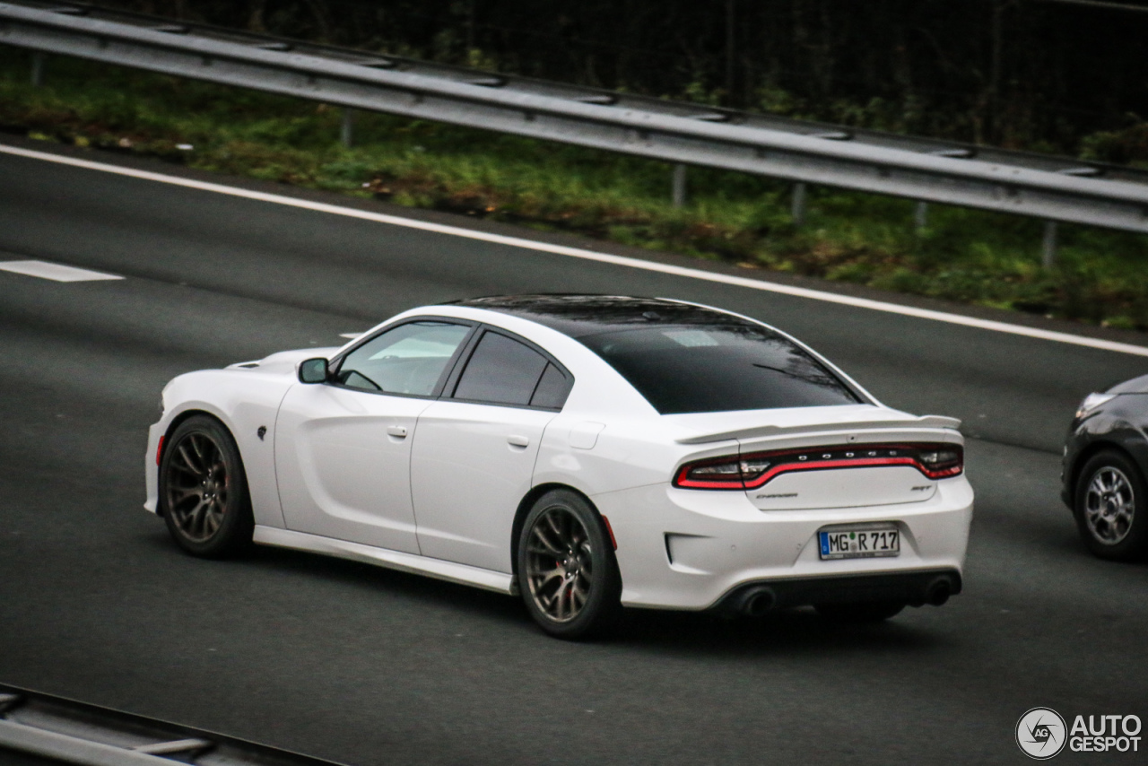 dodge charger srt hellcat 2015 13 january 2016 autogespot. Black Bedroom Furniture Sets. Home Design Ideas