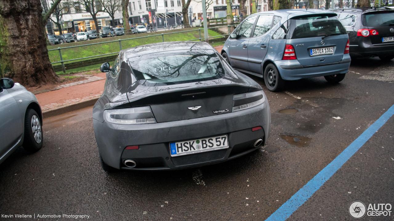 Aston Martin V8 Vantage S 10