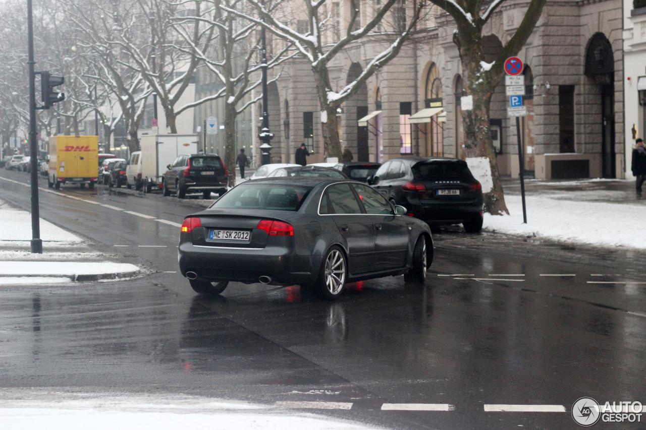 Audi RS4 Sedan 2