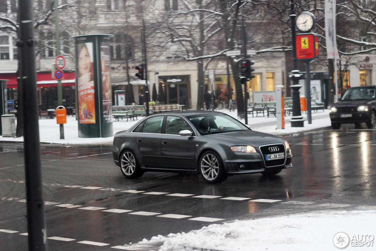 Audi RS4 Sedan 7