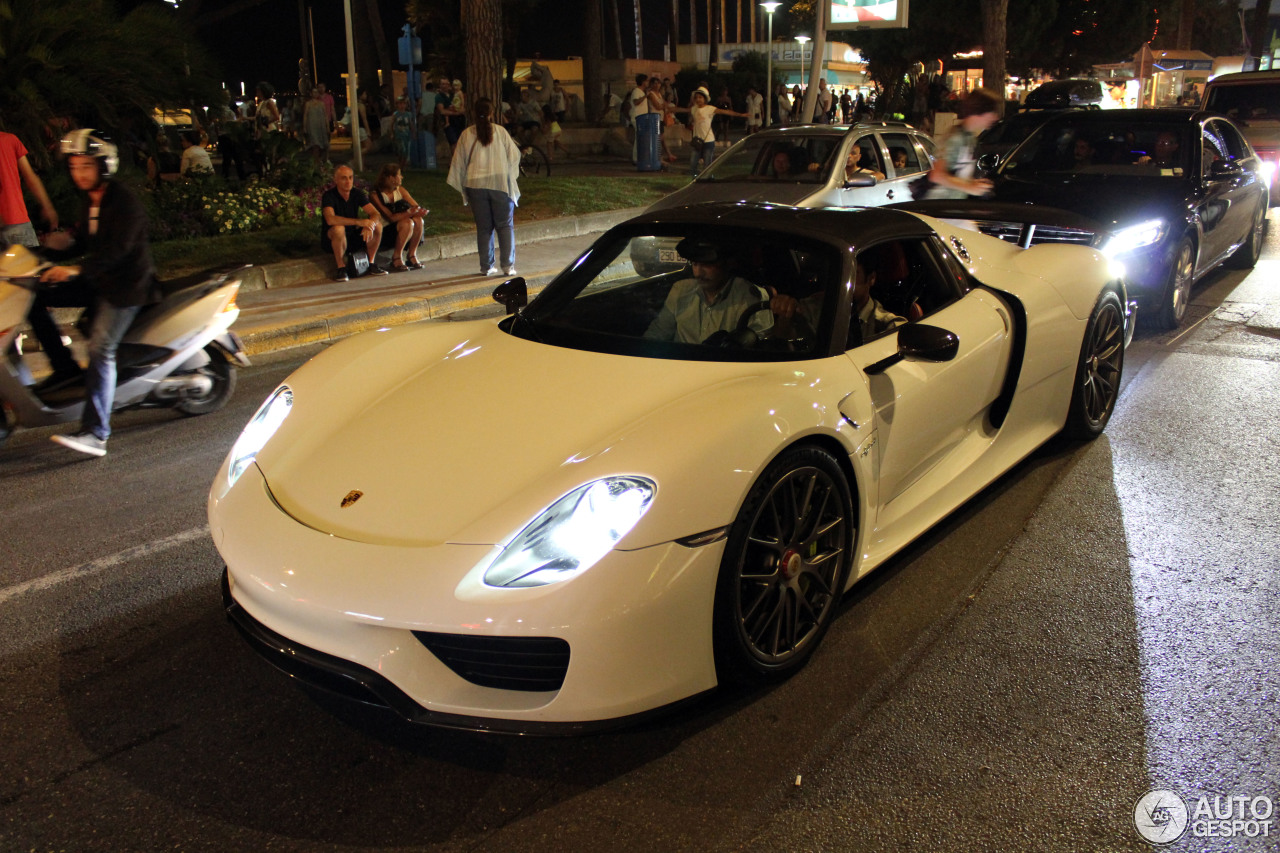 porsche 918 spyder weissach package 23 january 2016 autogespot. Black Bedroom Furniture Sets. Home Design Ideas