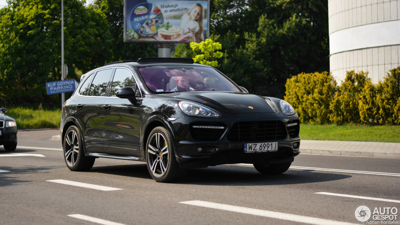 porsche 958 cayenne turbo s 23 january 2016 autogespot. Black Bedroom Furniture Sets. Home Design Ideas