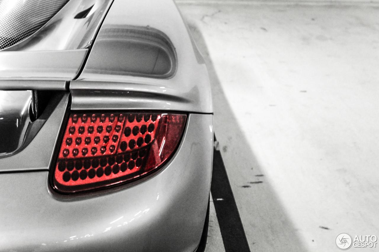 Porsche Carrera GT 8