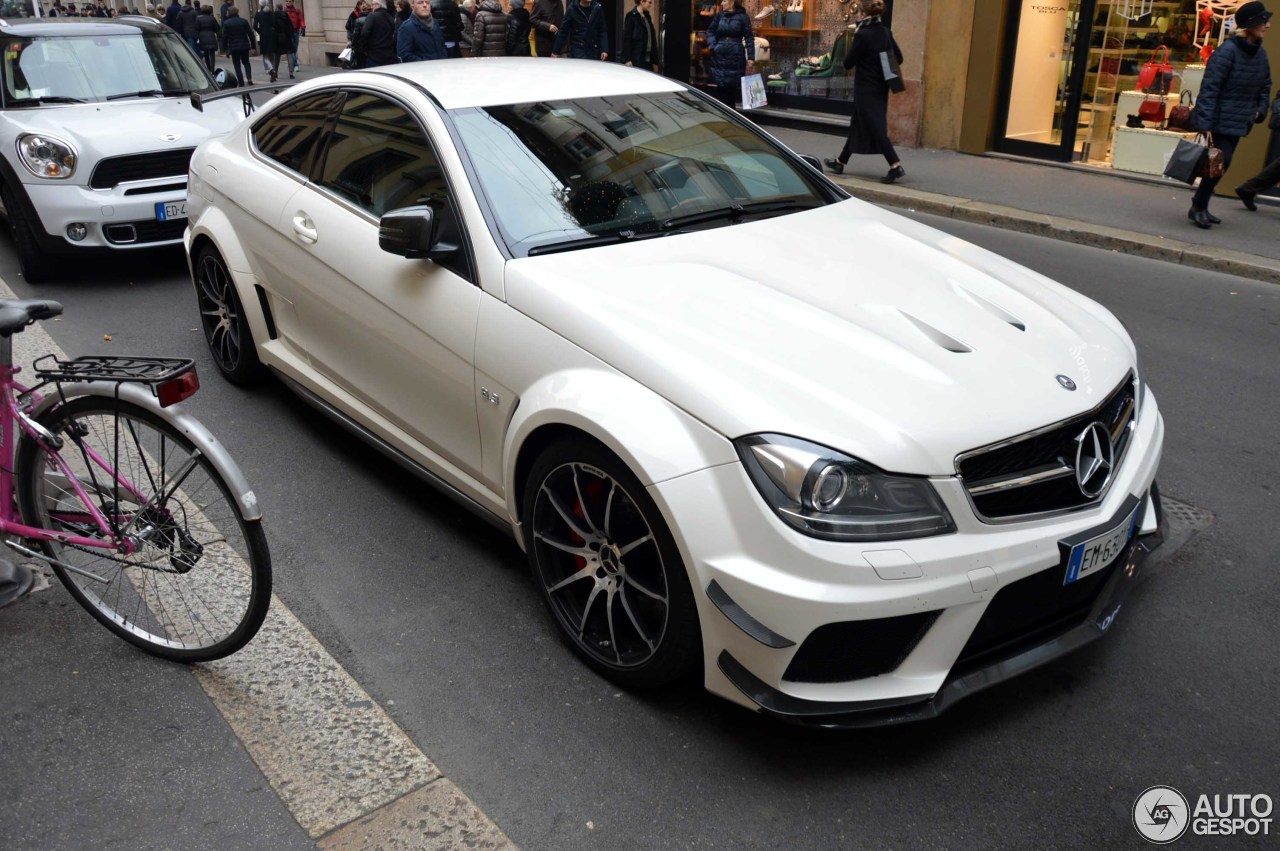 mercedes benz c 63 amg coup black series 24 januar 2016 autogespot. Black Bedroom Furniture Sets. Home Design Ideas