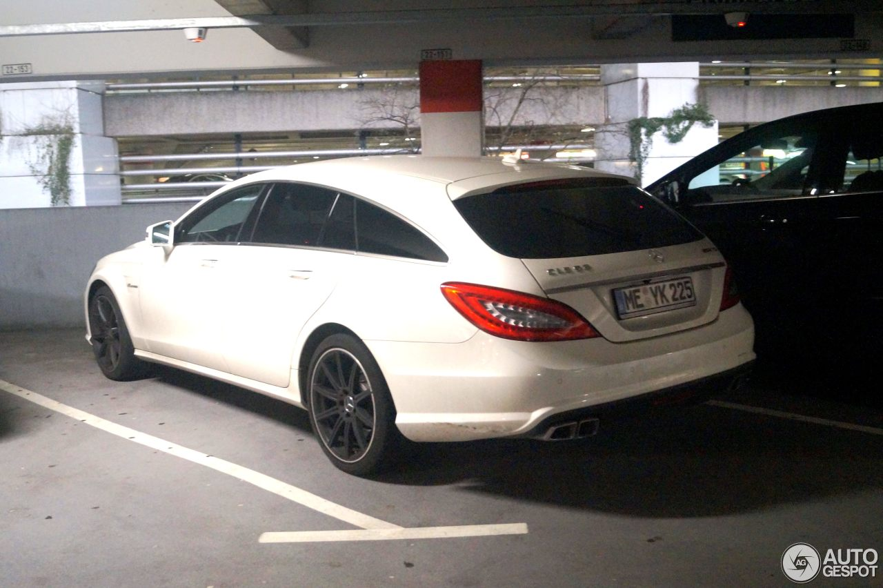 Mercedes-Benz CLS 63 AMG X218 Shooting Brake 1
