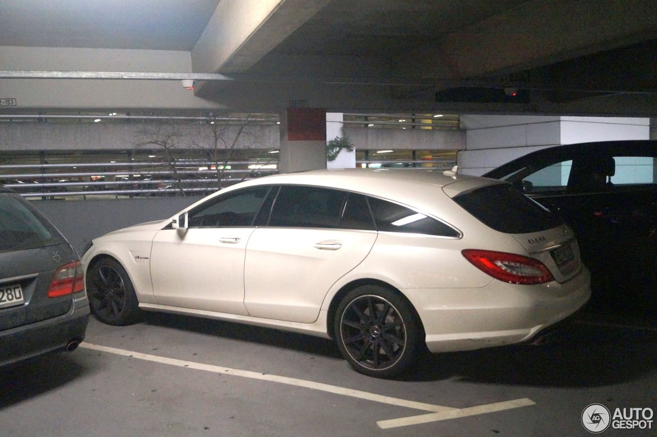 Mercedes-Benz CLS 63 AMG X218 Shooting Brake 10
