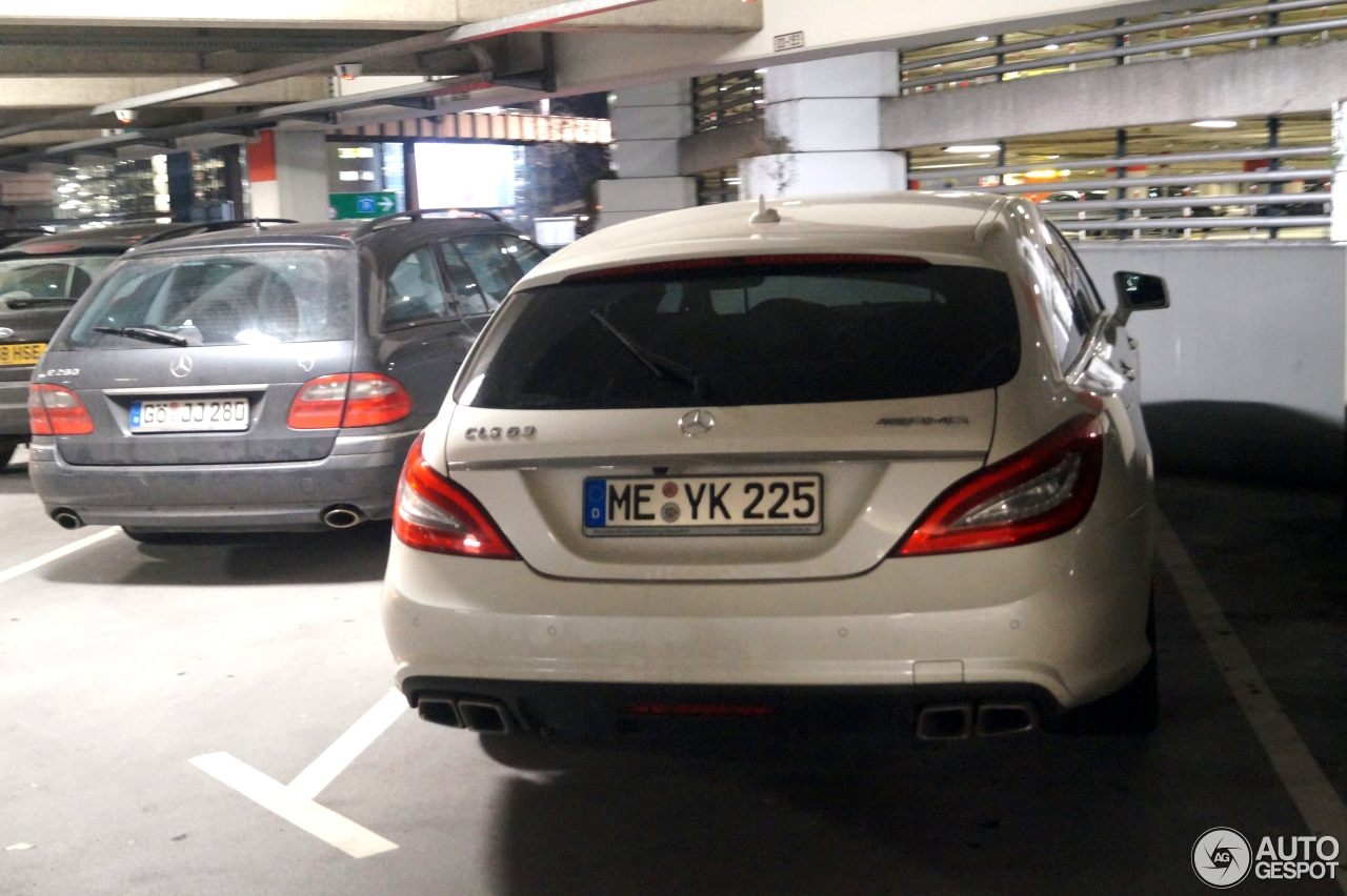 Mercedes-Benz CLS 63 AMG X218 Shooting Brake 3