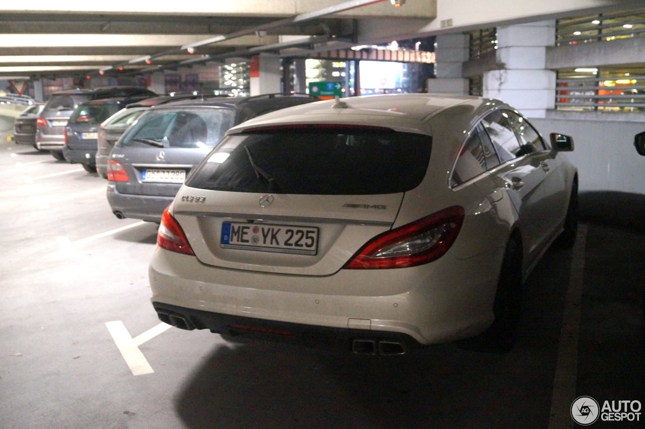 Mercedes-Benz CLS 63 AMG X218 Shooting Brake 4