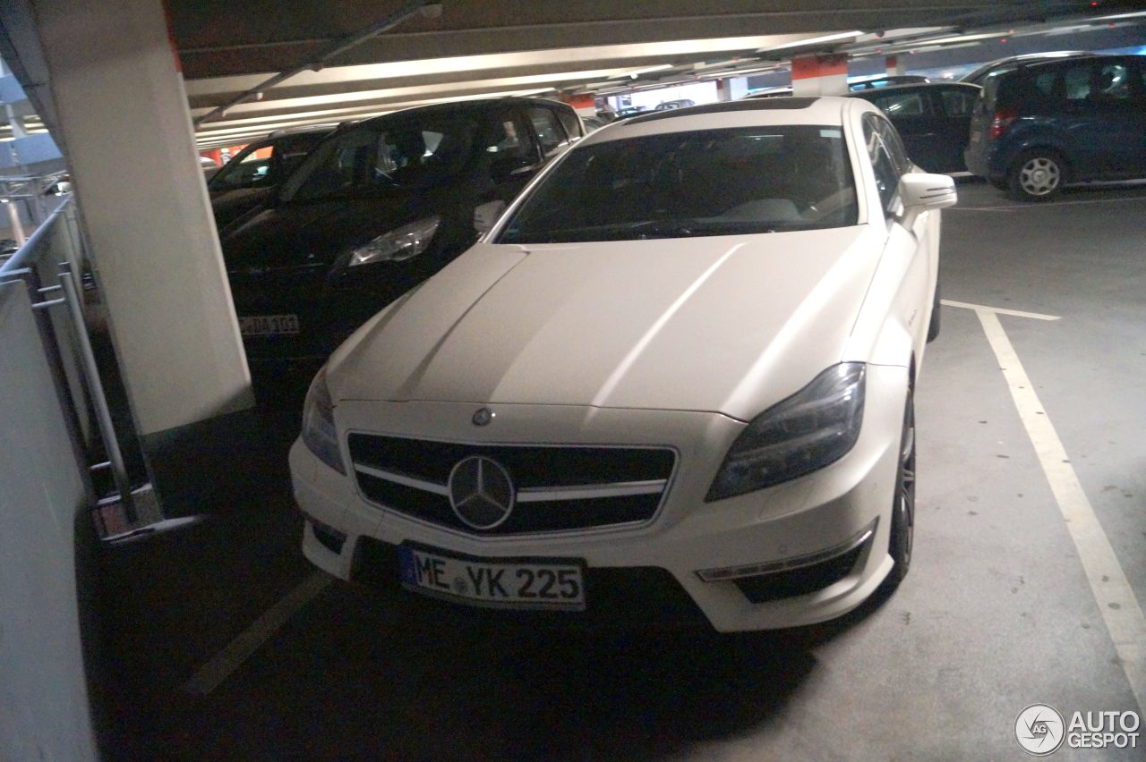 Mercedes-Benz CLS 63 AMG X218 Shooting Brake 8