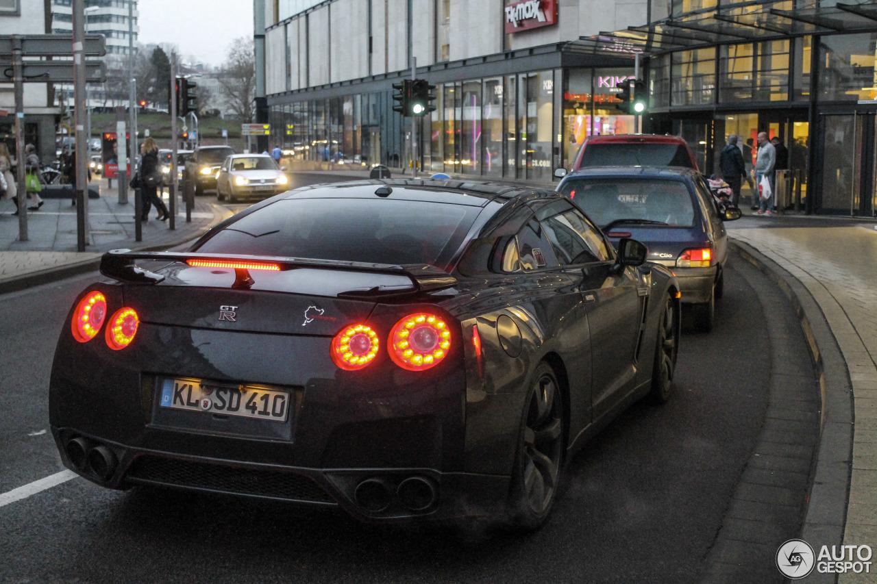 Nissan GT-R 9