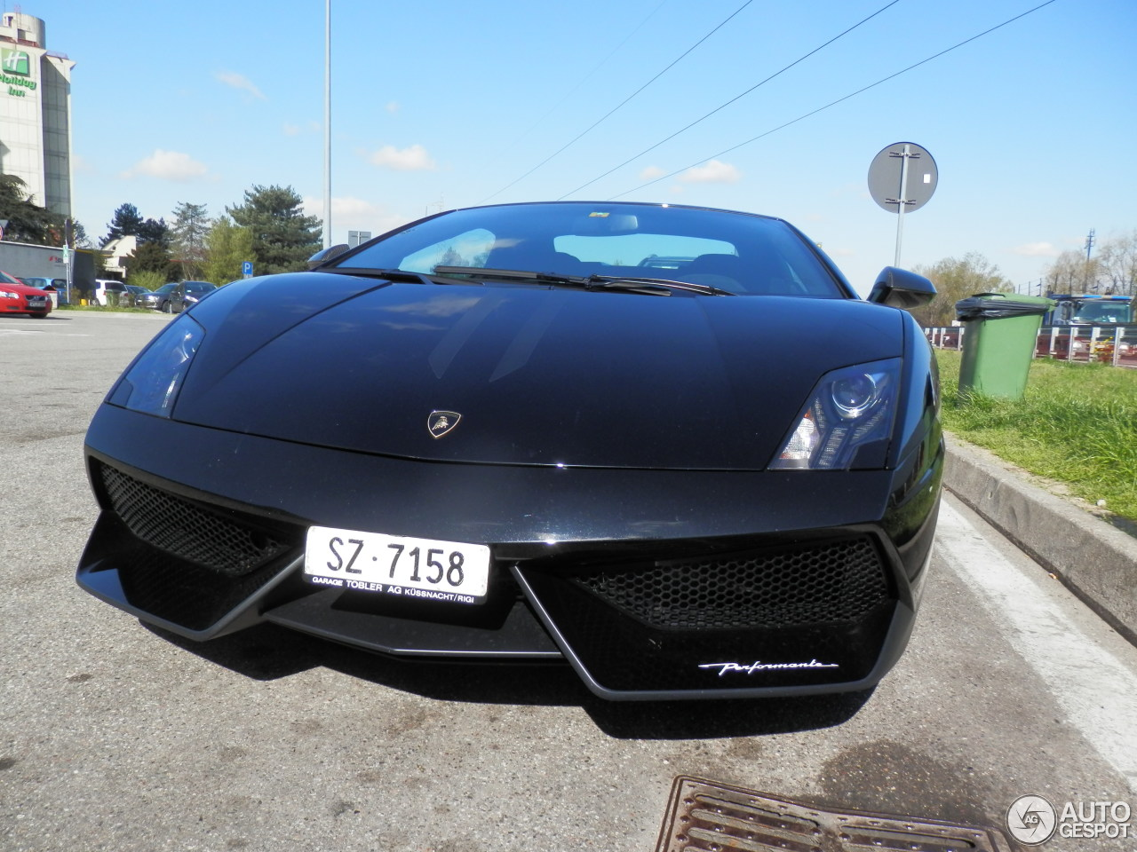Lamborghini Gallardo LP570-4 Spyder Performante 2