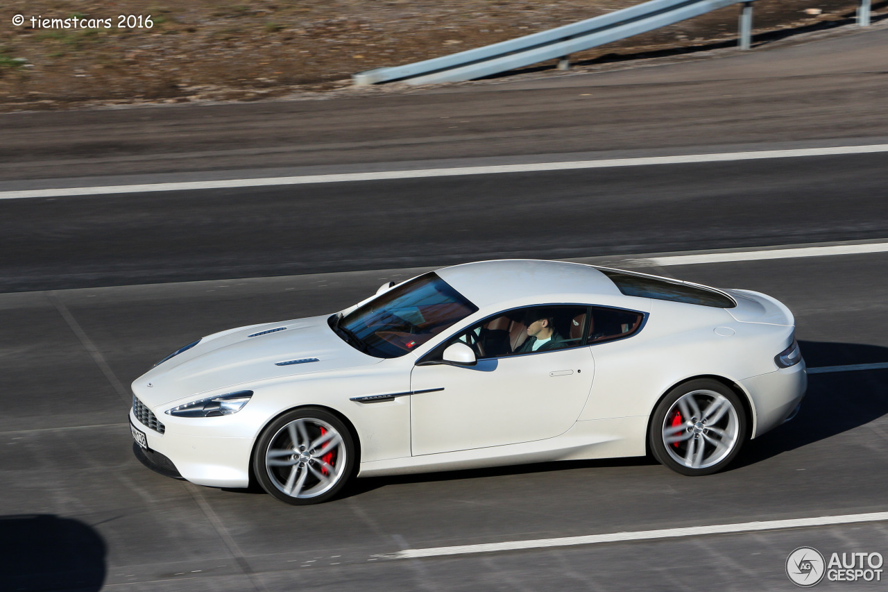 Aston Martin Virage 2011 1