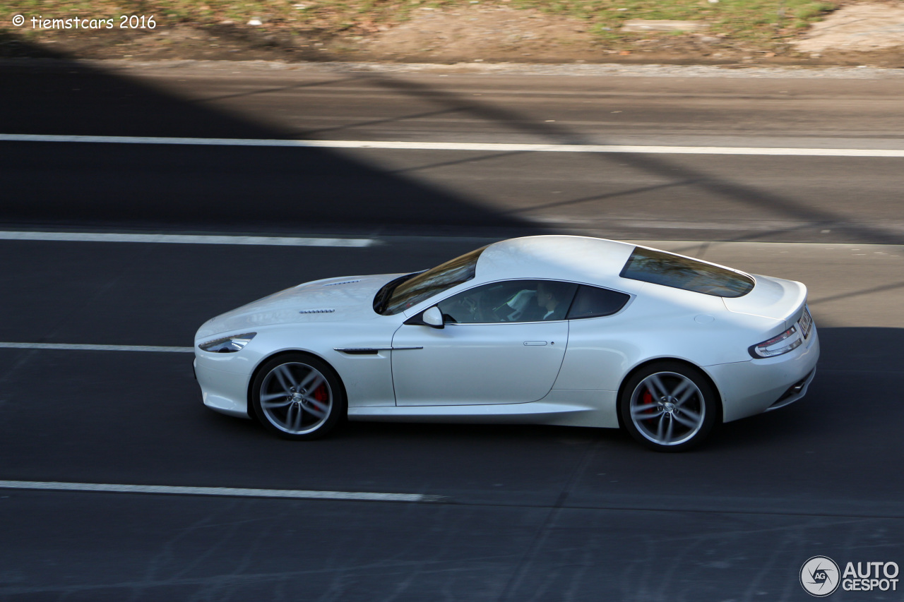 Aston Martin Virage 2011 5