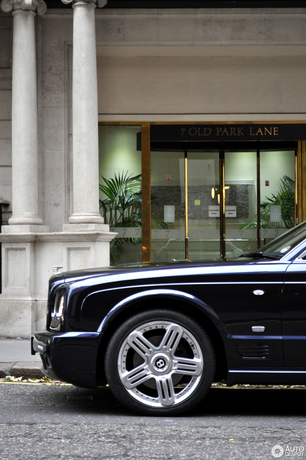 Bentley arnage t final series 28 january 2016 autogespot 3 i bentley arnage t final series 3 vanachro Image collections