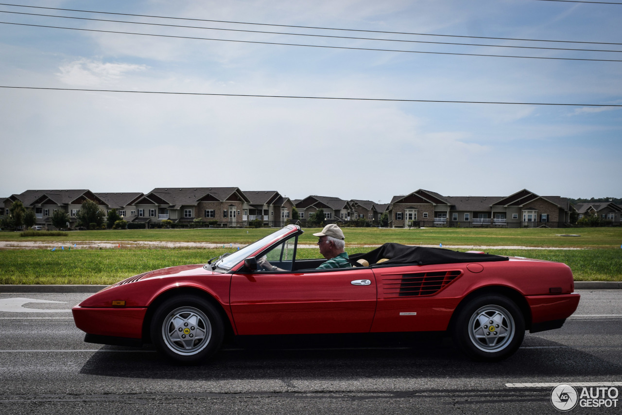 ferrari mondial 3 2 cabriolet 28 january 2016 autogespot. Black Bedroom Furniture Sets. Home Design Ideas