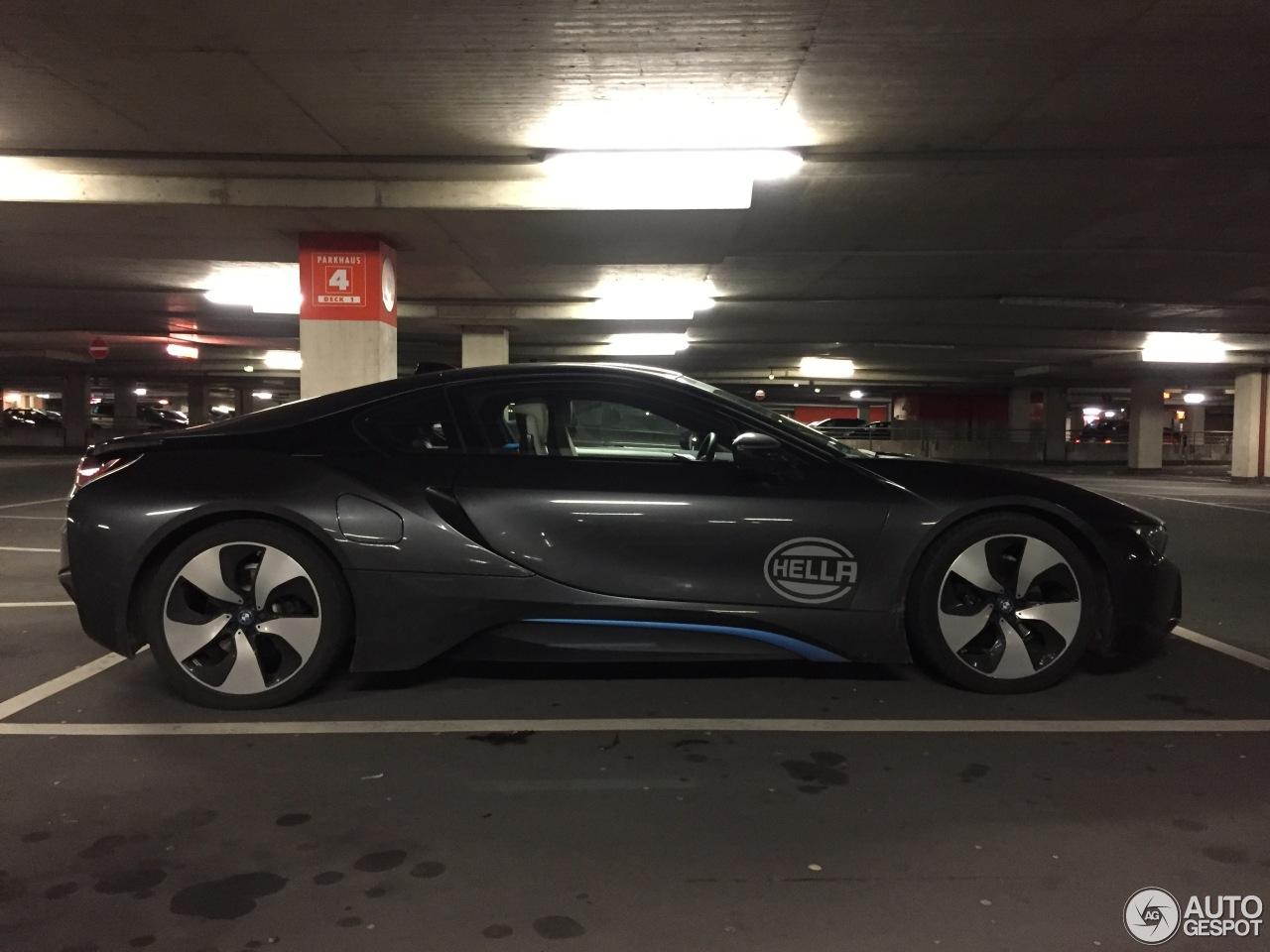 BMW i8 4