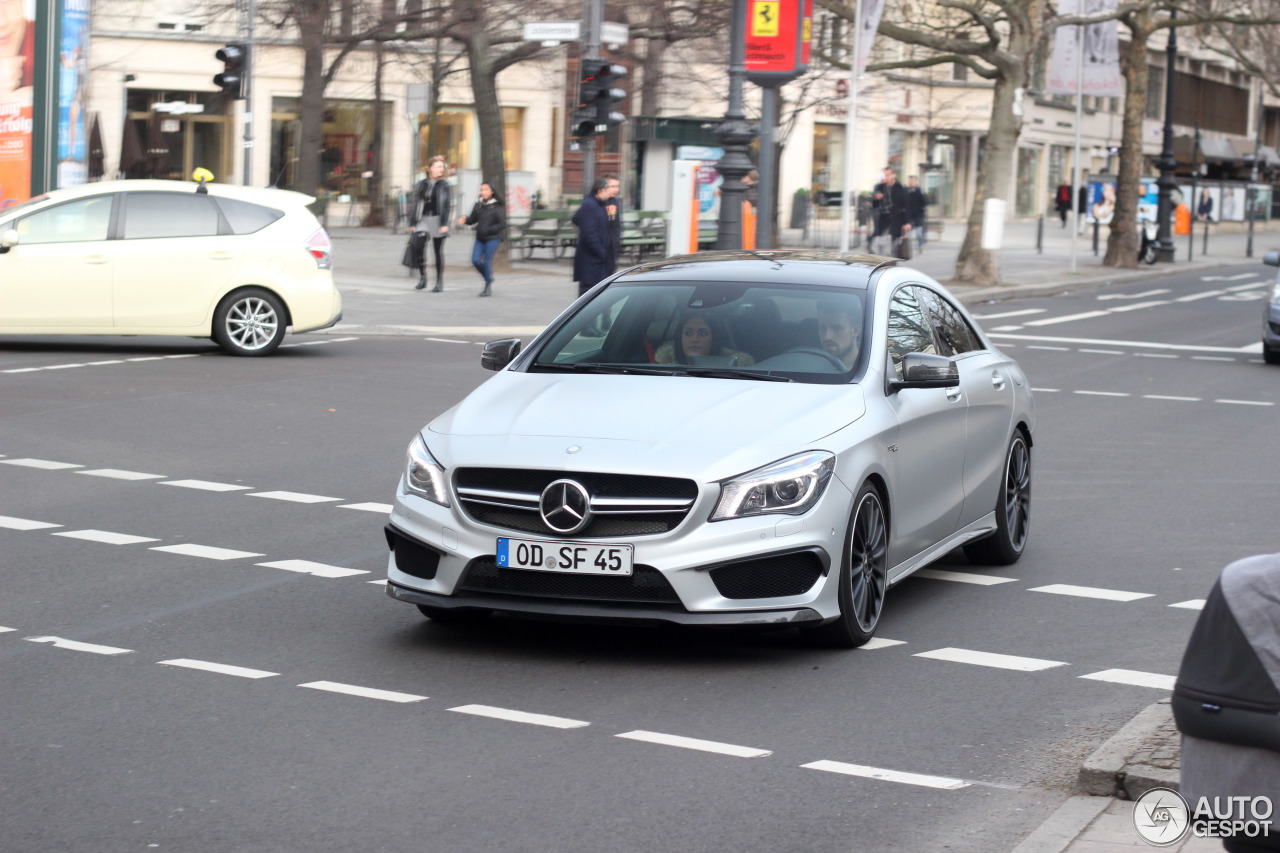 Mercedes-Benz CLA 45 AMG C117 1