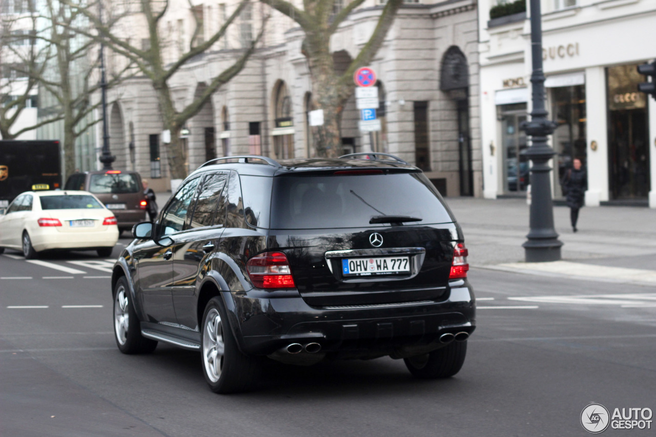 Mercedes-Benz ML 63 AMG W164 4
