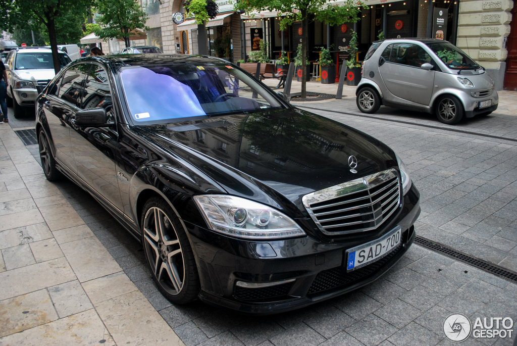 Mercedes benz s 63 amg w221 2010 29 january 2016 for Mercedes benz w221 price
