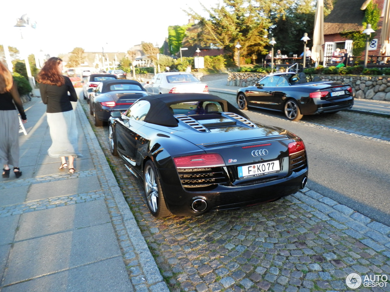 Audi R8 V10 Spyder 2013 4