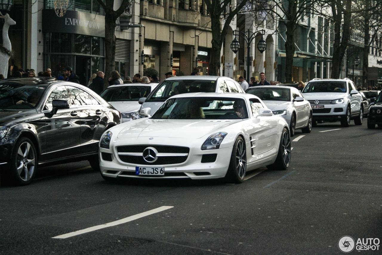 Mercedes-Benz SLS AMG 1