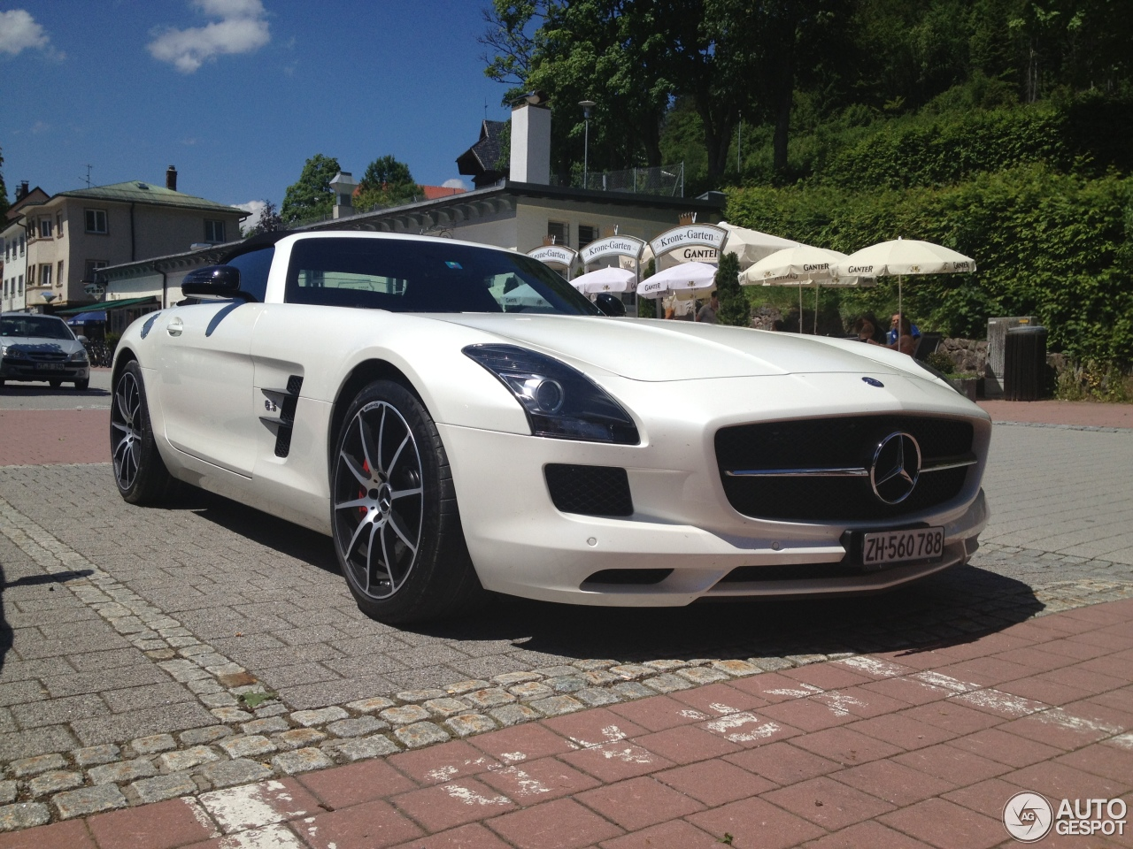 Mercedes-Benz SLS AMG GT Roadster 2