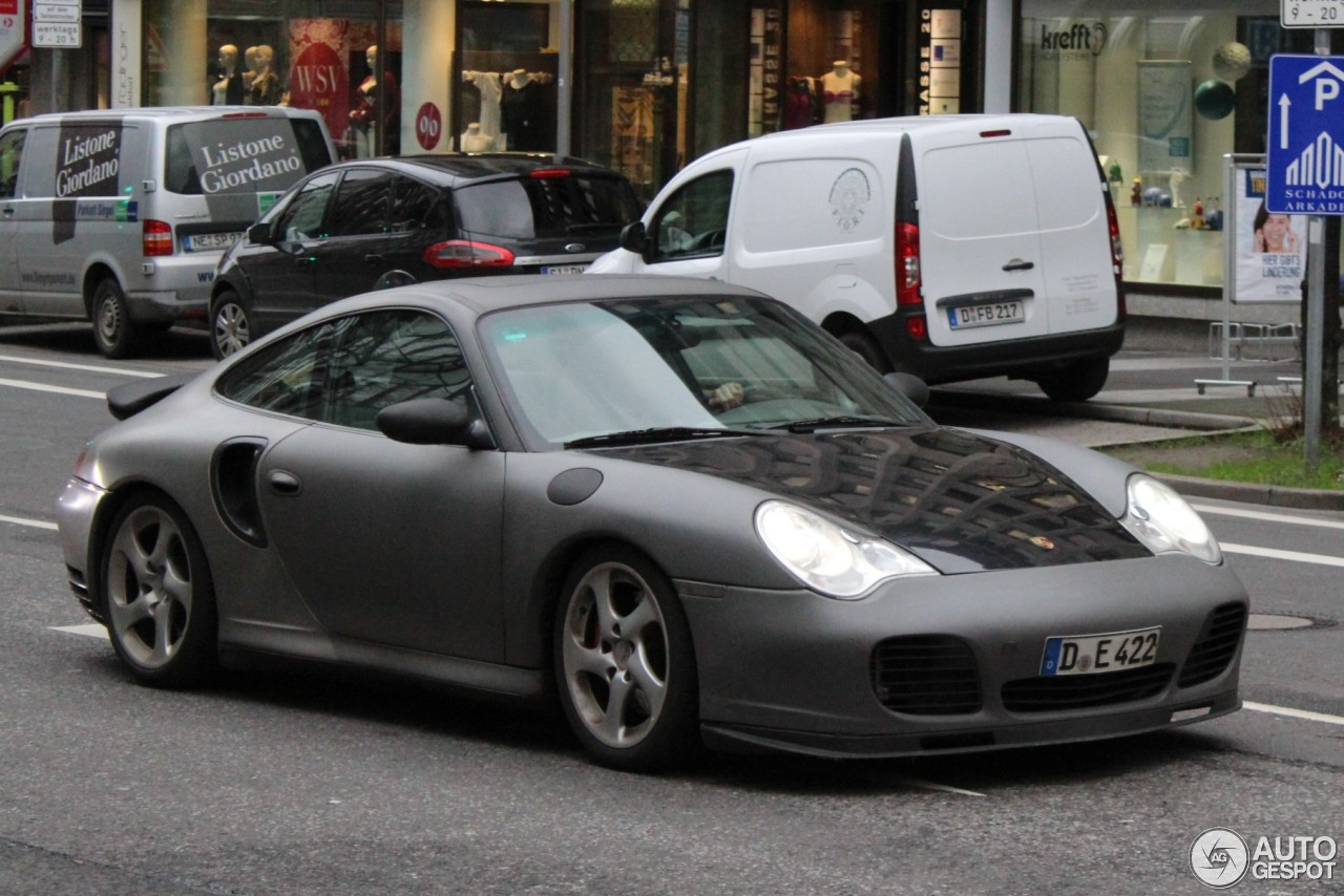 Porsche 996 Turbo 2