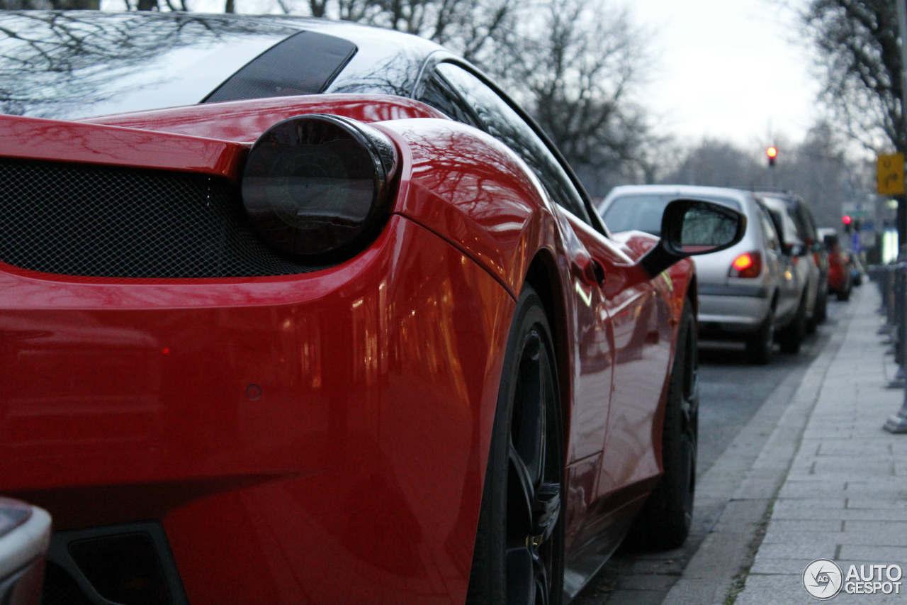 Ferrari 458 Italia 4