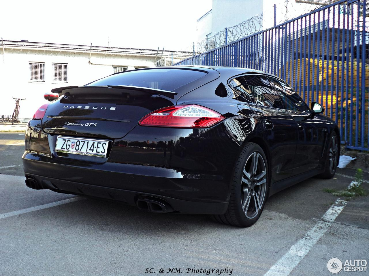 porsche panamera gts 4 february 2016 autogespot. Black Bedroom Furniture Sets. Home Design Ideas