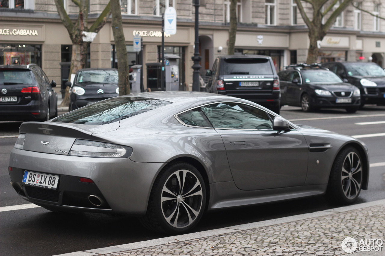 Aston Martin V12 Vantage 2