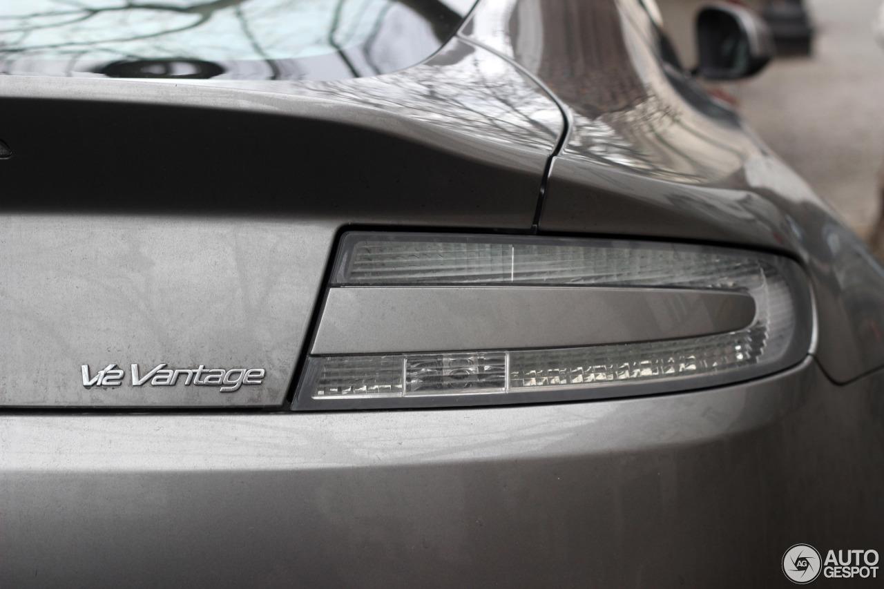 Aston Martin V12 Vantage 3