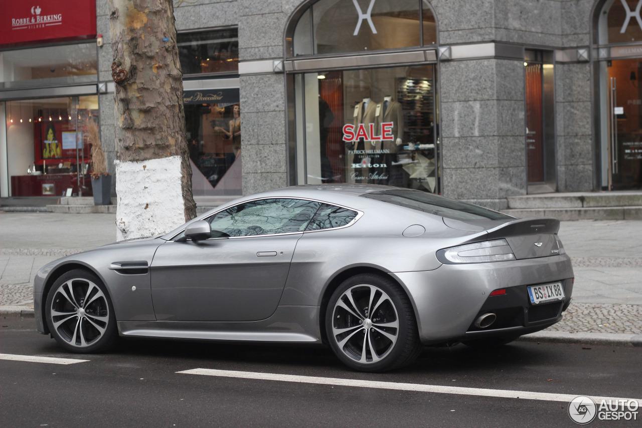 Aston Martin V12 Vantage 4