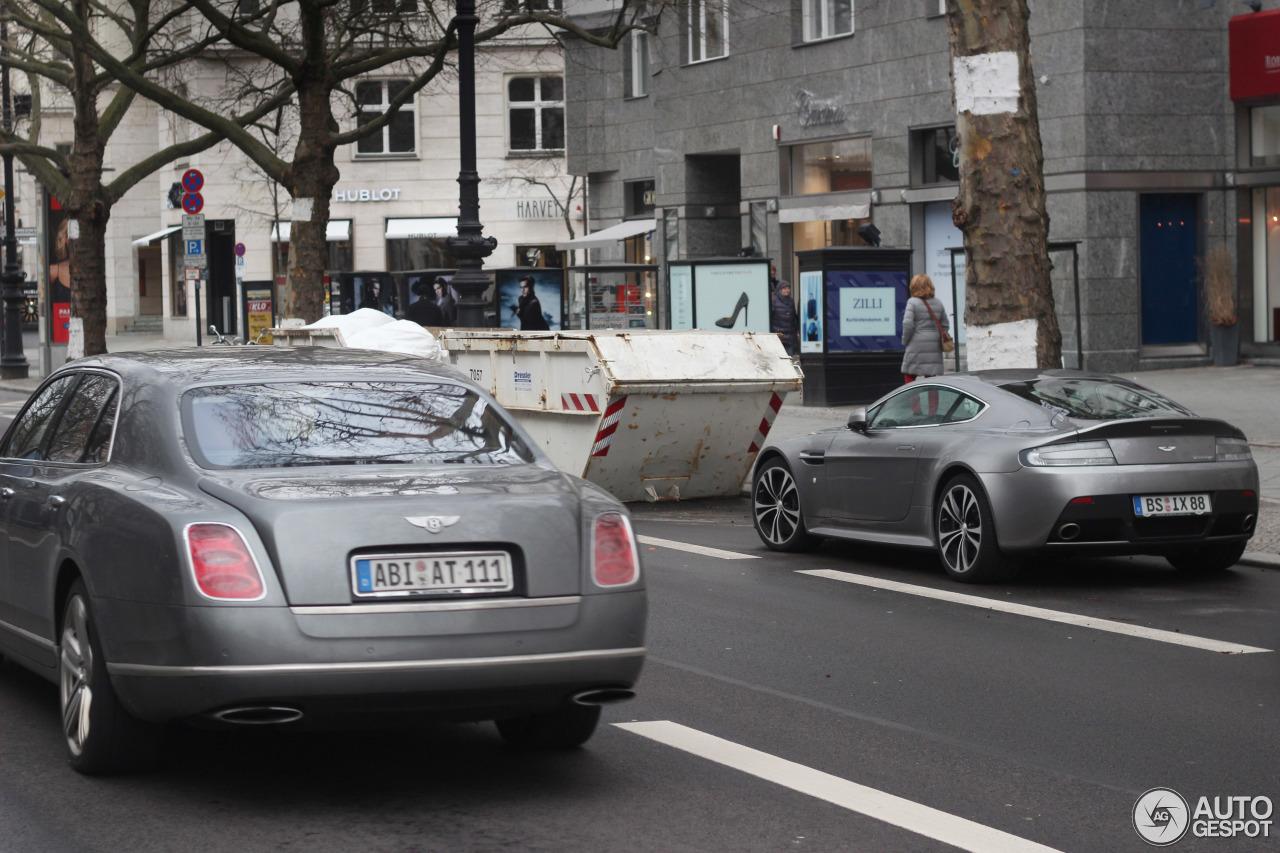 Aston Martin V12 Vantage 6