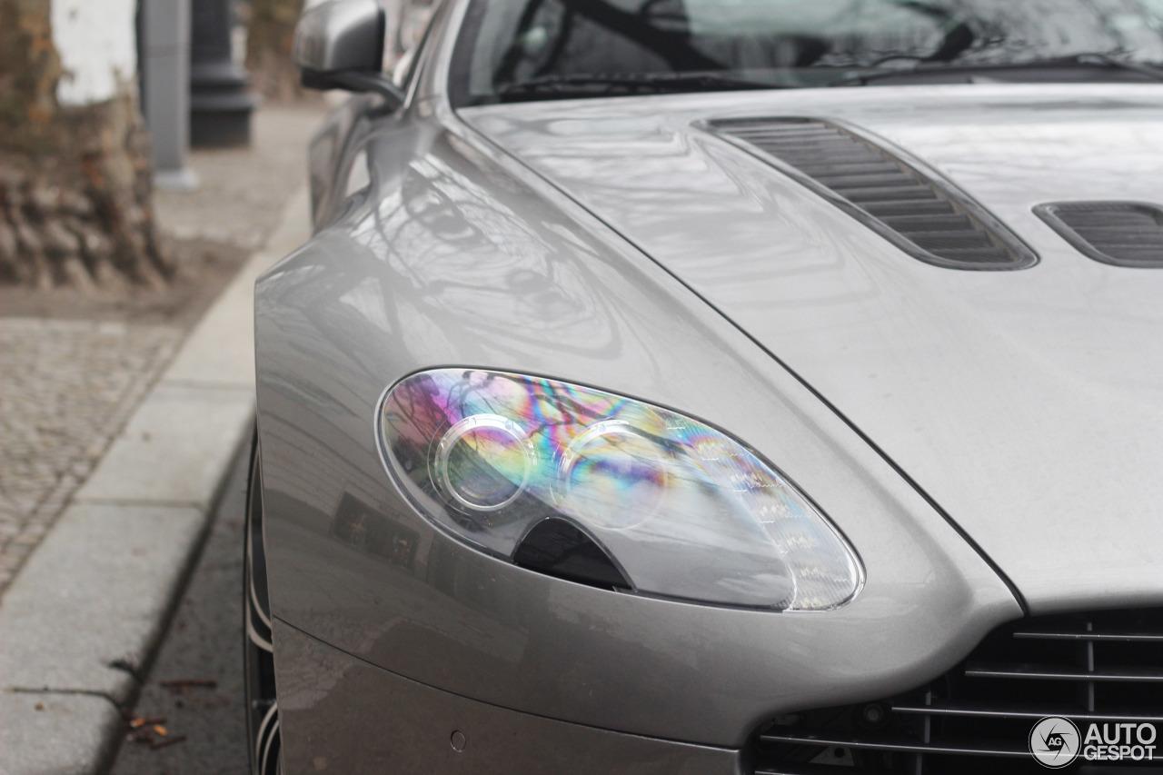 Aston Martin V12 Vantage 9