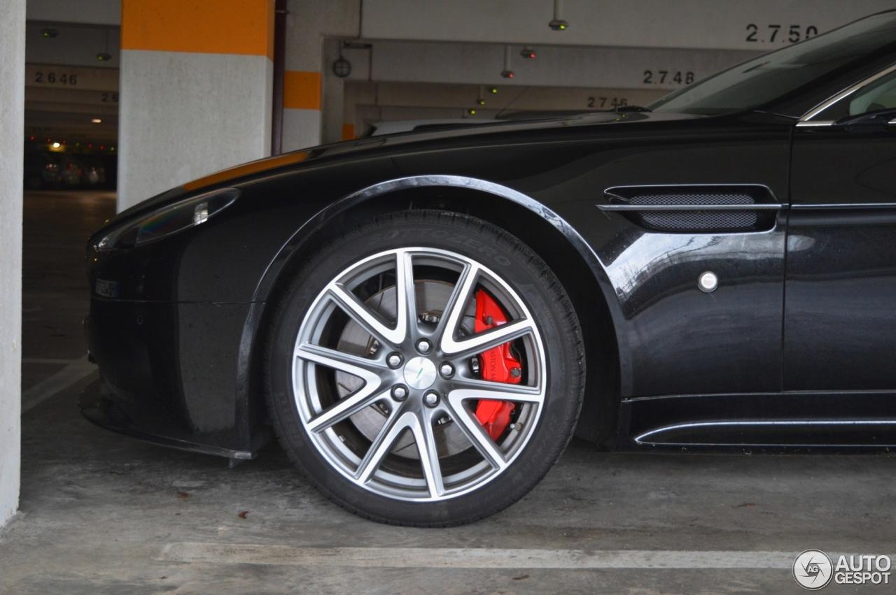 Aston Martin V8 Vantage S Roadster 2