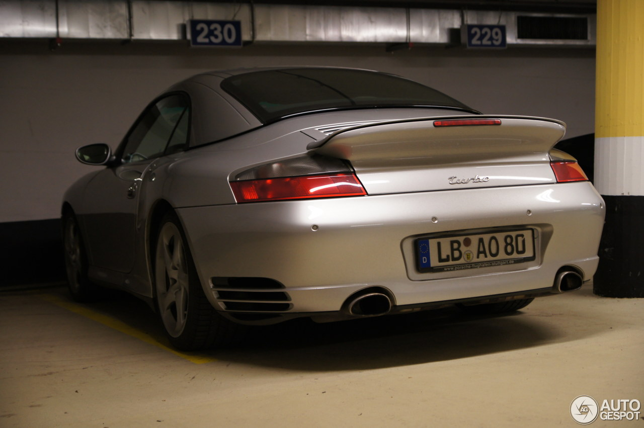 Porsche 996 Turbo Cabriolet 1