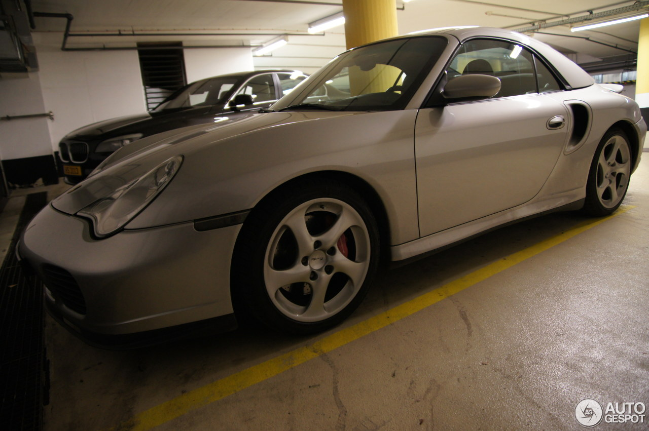 Porsche 996 Turbo Cabriolet 3