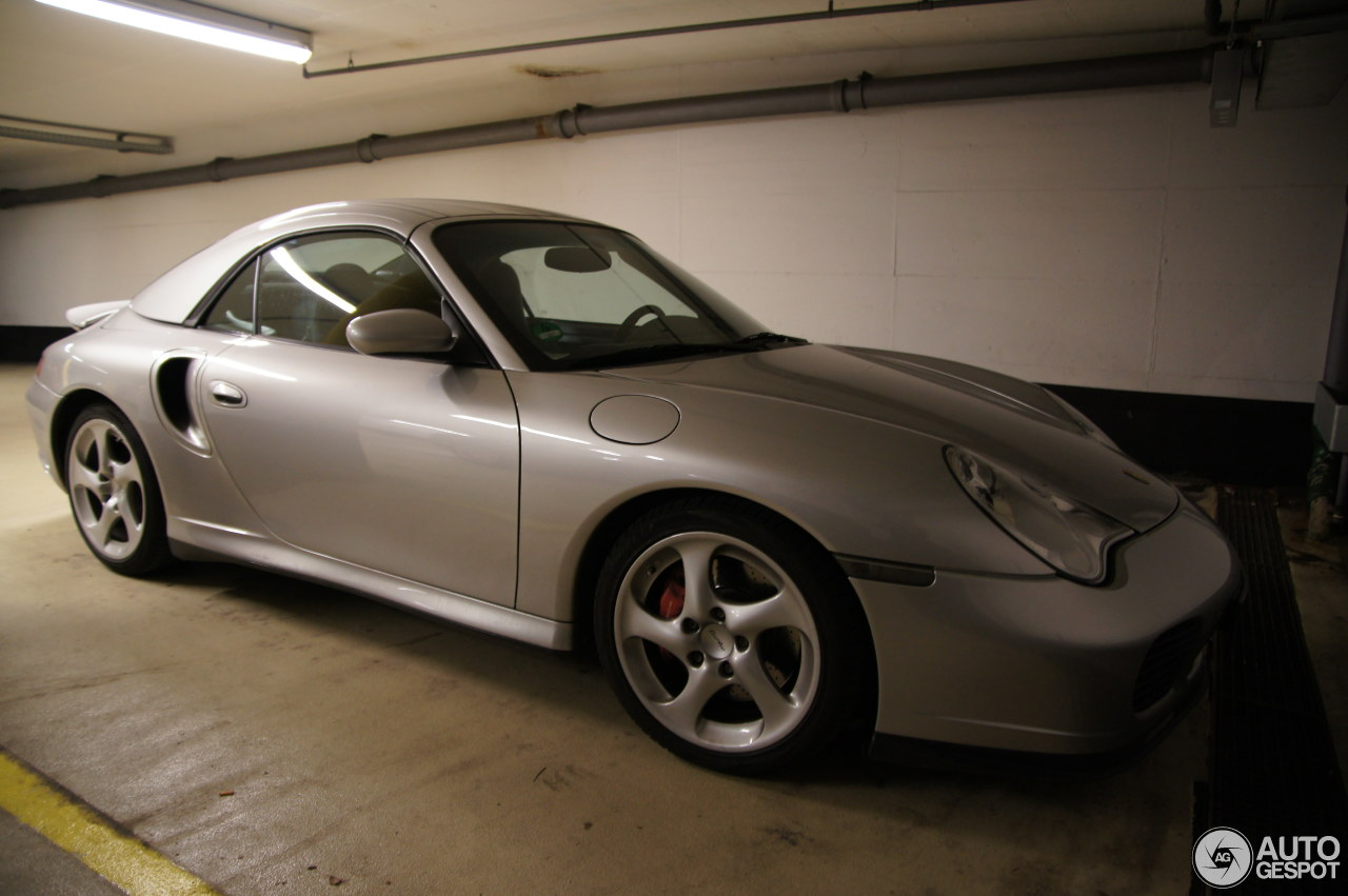 Porsche 996 Turbo Cabriolet 4