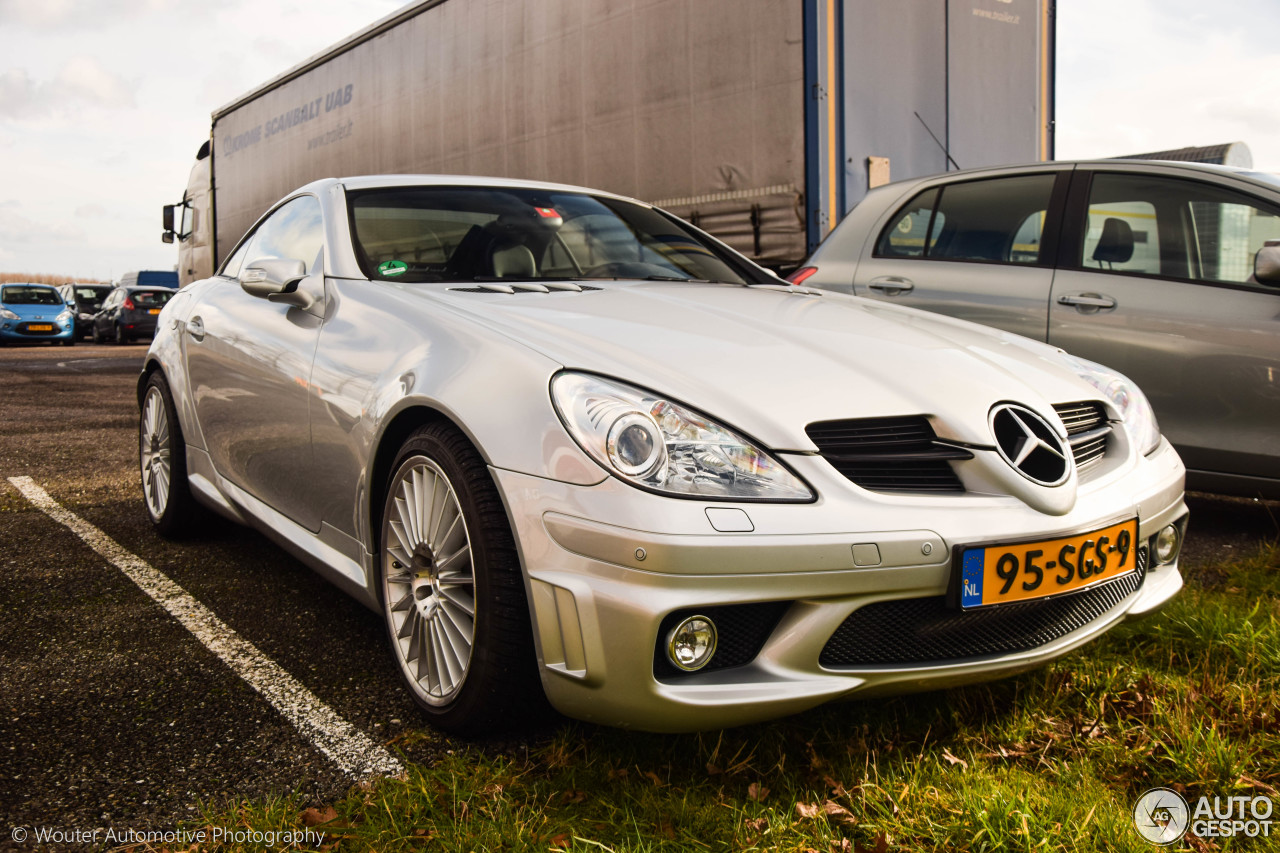 Mercedes benz slk 55 amg r171 7 february 2016 autogespot for 2016 amg slk55 mercedes benz