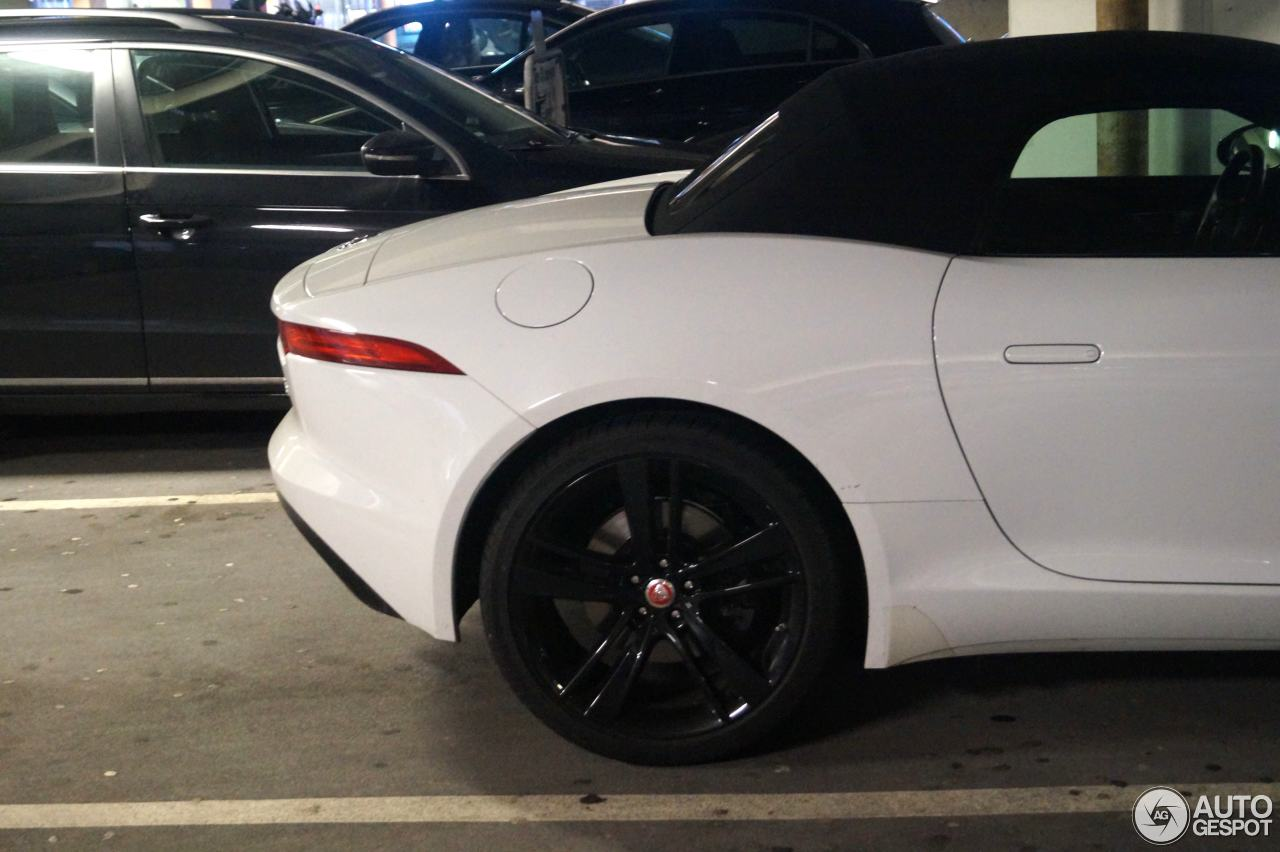 Jaguar F-TYPE S Convertible 6