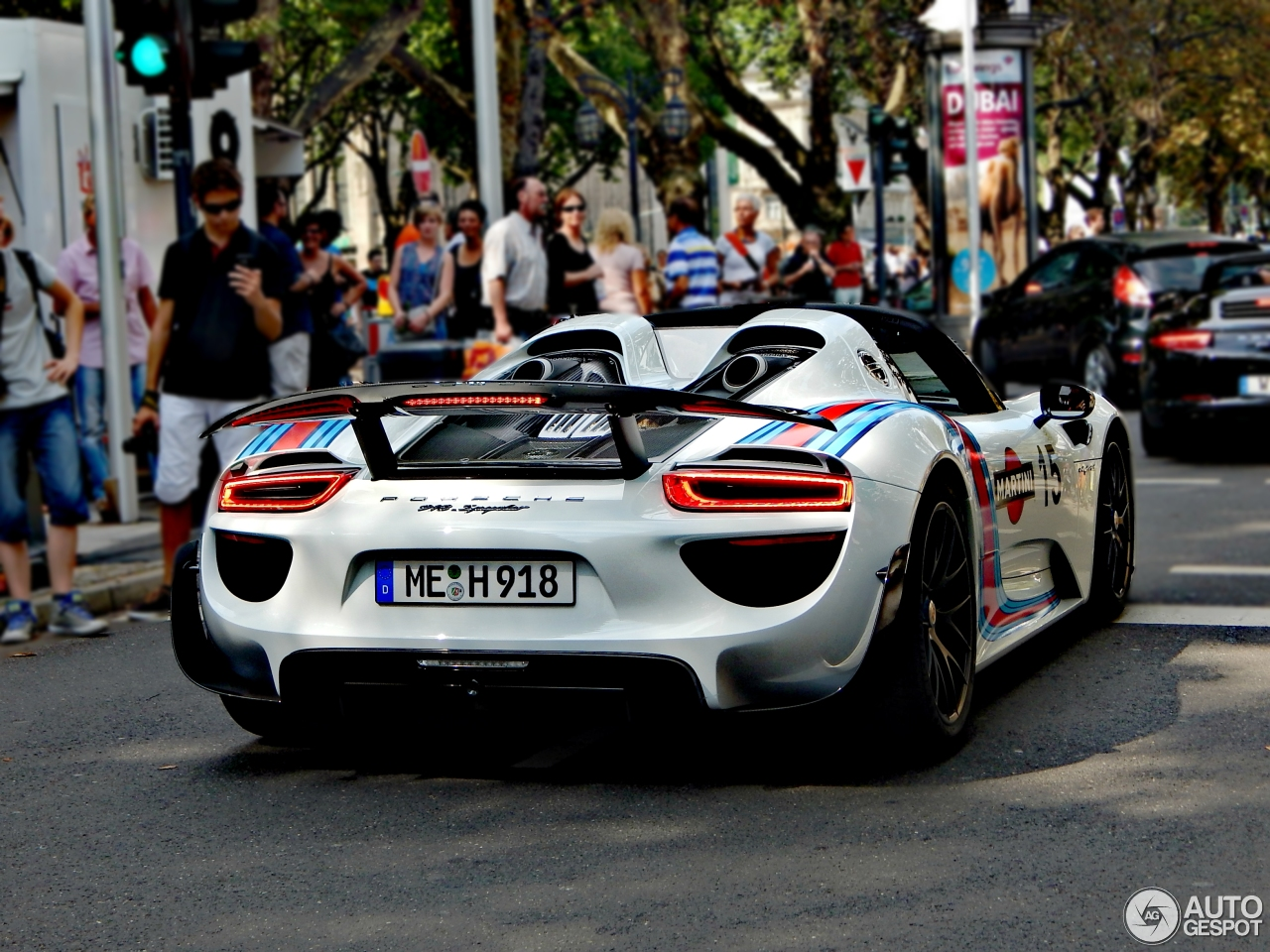 Porsche 918 Spyder Weissach Package 2